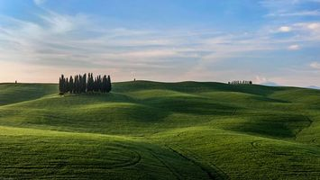 Бесплатные фото Италия,Тоскана,поля,холмы,деревья,пейзаж