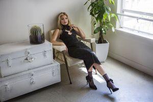 Фото бесплатно Olivia Holt, черное платье, знаменитости