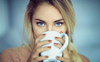 Blonde with Cup · free photo