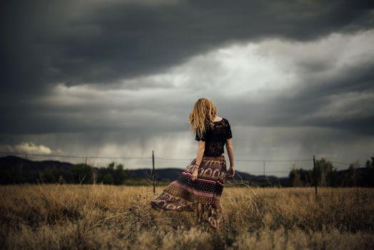 Фото бесплатно женщина, девушки, поля