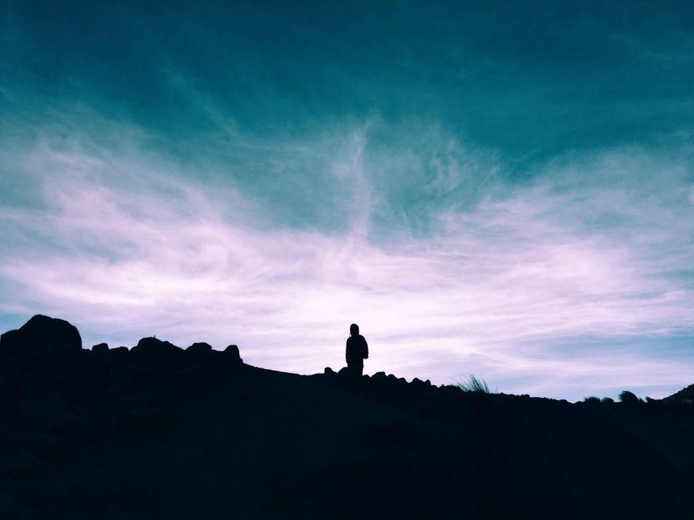 Фото бесплатно силуэт, холм, небо, облака, silhouette, hill, sky, clouds, настроения