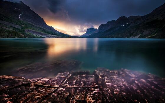 Photo free water, mountain range, dawn