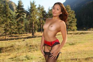 Бесплатные фото Lily S,модель,красотка,голая,голая девушка,обнаженная девушка,позы