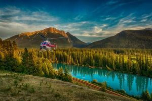 Бесплатные фото Bow river,Альберта,Канада,река,горы,железная дорога,вертолёт