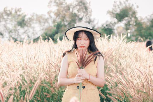 Photo free asian woman, field, plants