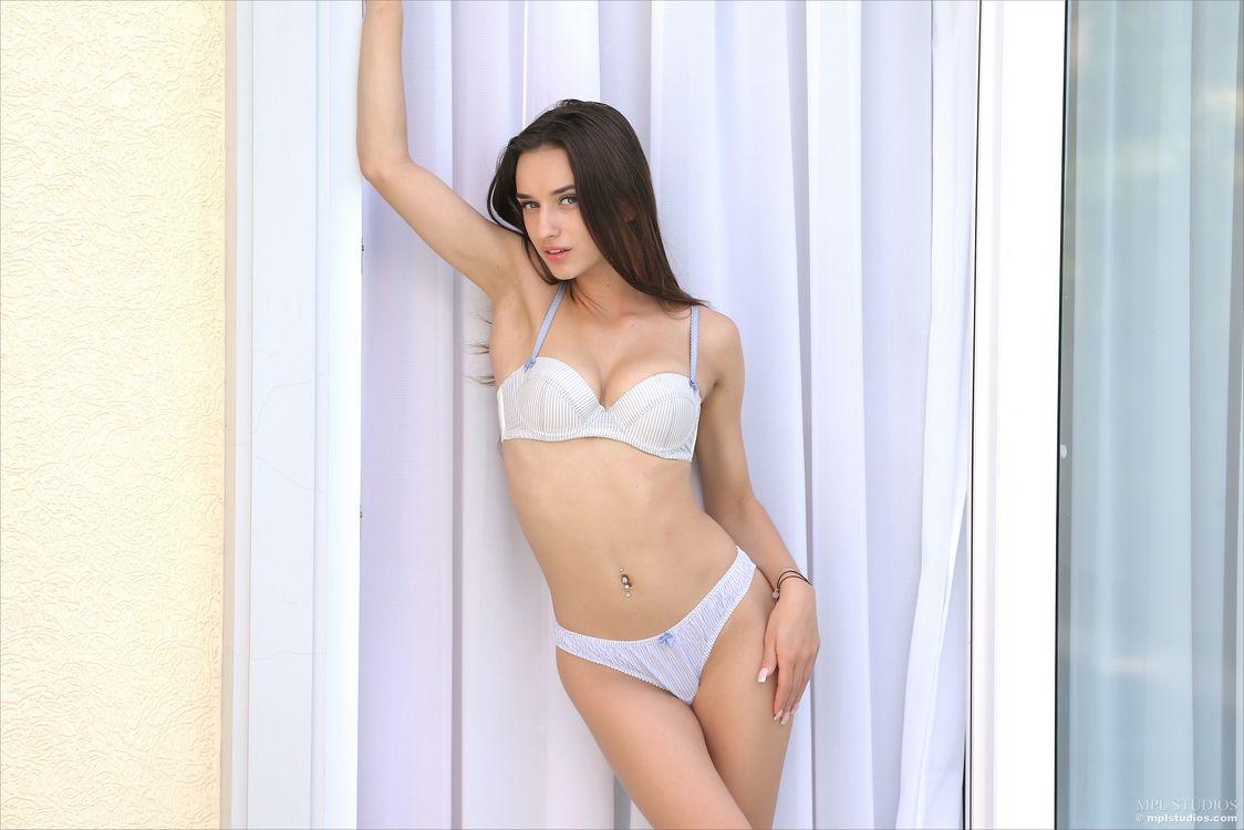 Обои Gloria Sol, модель, красотка, голая, голая девушка, обнаженная девушка, позы, поза, сексуальная девушка, эротика на телефон | картинки эротика