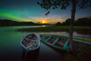 Бесплатные фото Сагельвватне,Тромсе,Норвегия,ночь,лодки,водоём,деревья