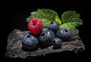 Бесплатные фото малина,голубика,ягоды,еда,чёрный фон