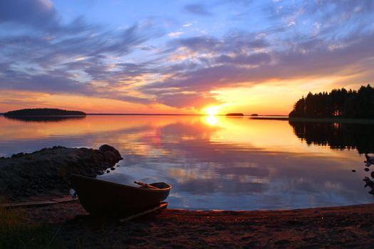 Заставки озеро, лодка, закат