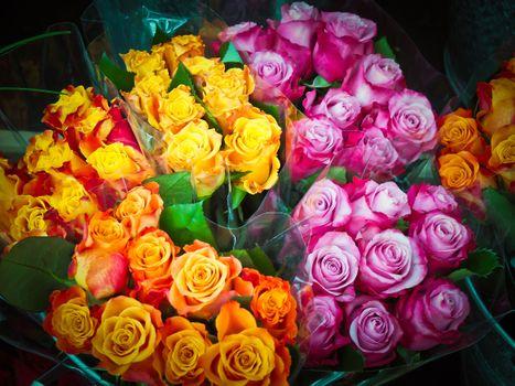 яркий букет роз