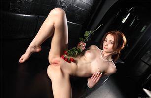 Бесплатные фото alison fox,martha gromova,модель,рыжая,сиськи,открытые ноги,киска