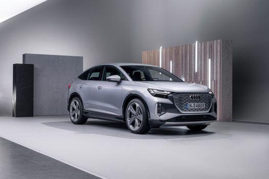 Photo free silver colored, Audi, metallic