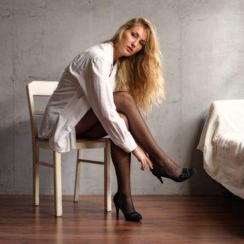 Photo free girls, blonde, formal shirt