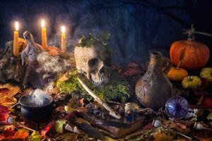 Бесплатные фото Halloween, натюрморт, свечи, череп, тыква, книга
