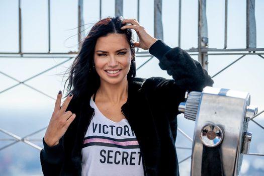 Photo free celebrities, girls, Adriana Lima