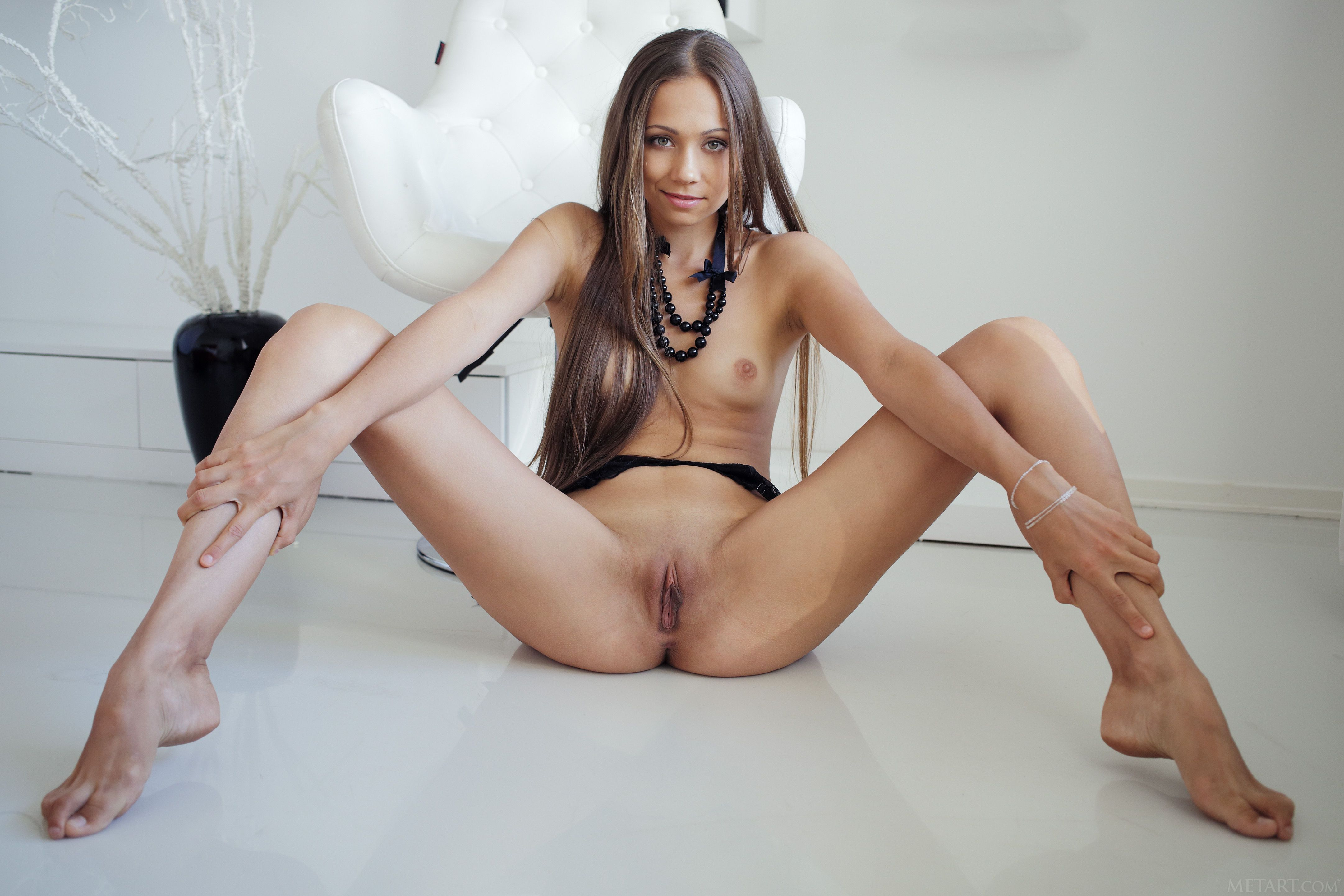 стать учителем секс фото молодой девушки с раздвинутыми ногами наших