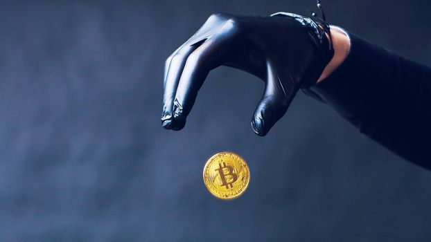 Заставки Bitcoin, рука, монета