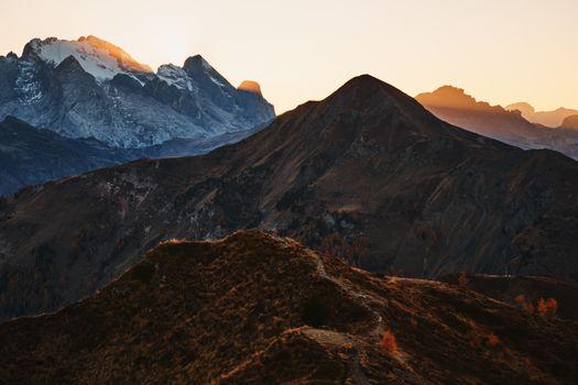 Заставки осень,лес,Leafe,снег,скалы,закат,горы,пейзаж,sorapi,Фотопрогулка,трентино,путь