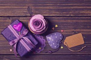 Бесплатные фото декор, violet, кекс, сердечки, украшение роза, подарок, birthday cake