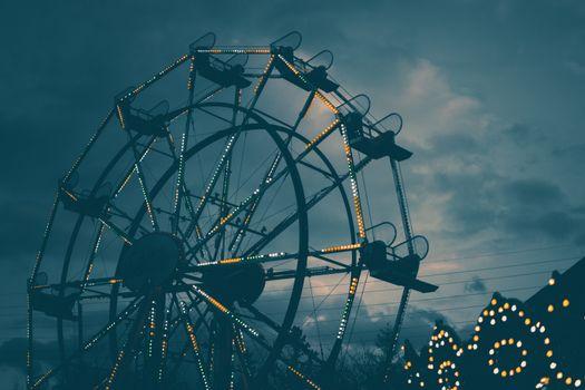 Фото бесплатно колесо обозрения, ночь, подсветка