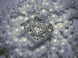 Бесплатные фото украшение,бусы,жемчуг,сердечко