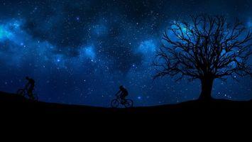 Бесплатные фото cyclist,starry sky,silhouette,велосипедист,звездное небо,силуэт