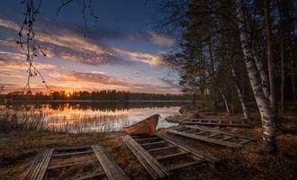 Бесплатные фото Финляндия,закат,озеро,берег,лодка,лес,деревья