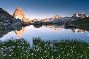 Бесплатные фото Восход солнца на озере Риффельзее,Швейцария,горы,скалы,озеро,пейзаж