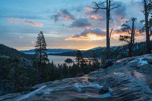 Заставки Eagle Falls,озеро Тахо,закат,озеро,деревья,горы,пейзаж