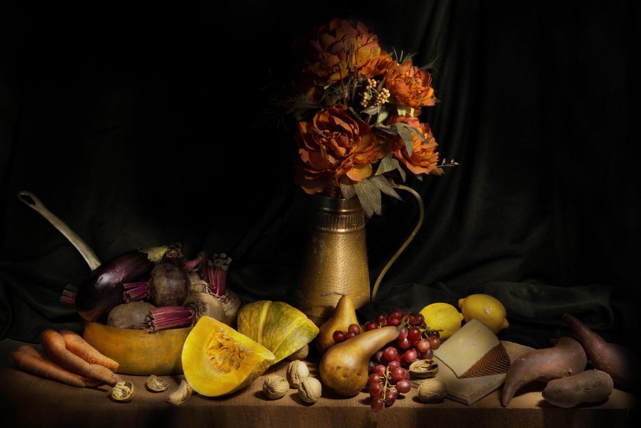 Обои натюрморт, стол, предметы, фрукты