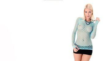 Фото бесплатно lynna nilsson, fisnet, сиськи, трусики, блондинка, смотреть сквозь, boobs, panties, blonde, tits, see through