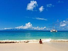 Бесплатные фото море,пляж,яхта,девушка