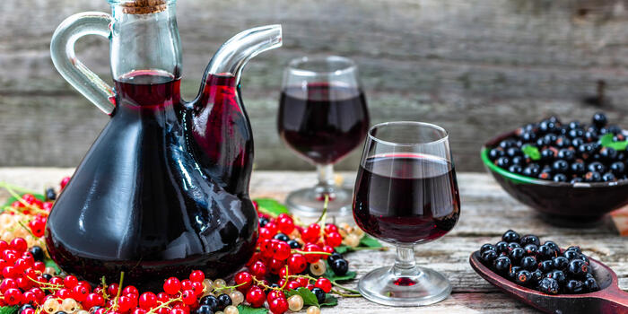 Photo free two glasses, decanter, drink