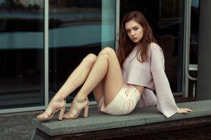 Фото бесплатно молодая женщина, шорты, ноги