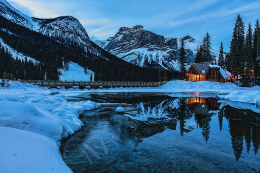 Photo free The Canada горы bridgeEmerald Lake, winter, Yoho National Park