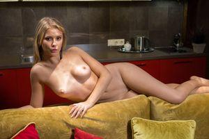 Бесплатные фото Casey,красотка,голая,голая девушка,обнаженная девушка,позы,поза