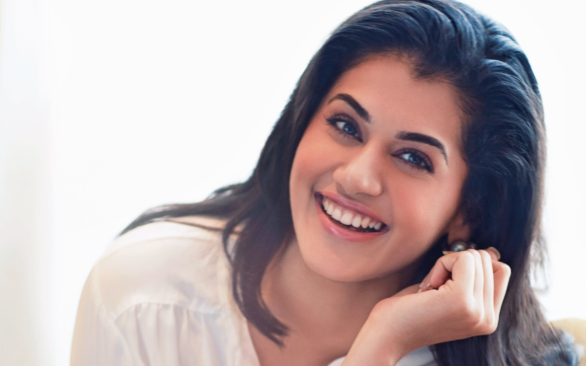Photos for free Taapsee, indian celebrities, girls - to the desktop