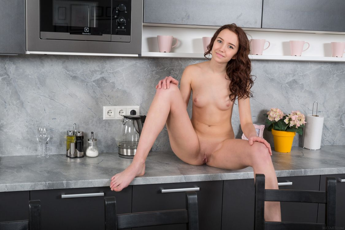 Фото бесплатно Erna, модель, красотка, голая, голая девушка, обнаженная девушка, позы, поза, сексуальная девушка, эротика, эротика