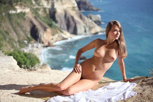 Бесплатные фото Justin,красотка,голая,голая девушка,обнаженная девушка,позы,поза,сексуальная девушка,модель,эротика