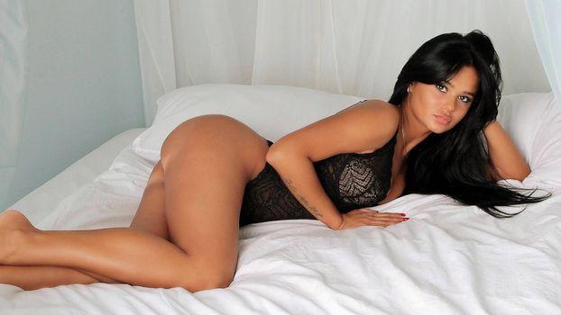Photo free brunette, model, black lingerie