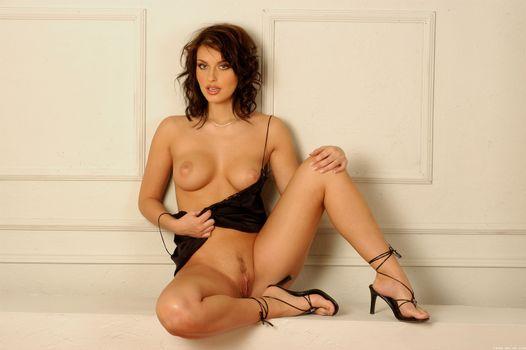 Бесплатные фото Marketa Brymova,Marketa,Morgan,Marketa A,Liz Harvey,модель,красотка,голая,голая девушка,обнаженная девушка,позы,поза