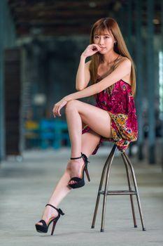 Фото бесплатно азиатские девушки, платье, ноги девушки