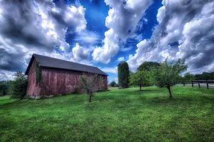 Бесплатные фото поле,дом,сад,дорога,деревья,небо,облака