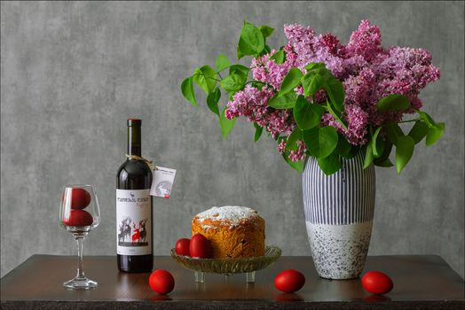 Photo free stemware bottle, vase, wine stemware