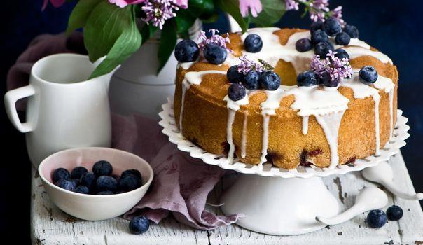 Photo free pie, blueberry, cream