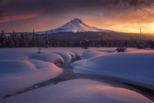 Photo free The highest peak in Oregon, Mt Hood, winter