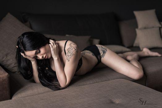 Photo free model, black bras, beauty