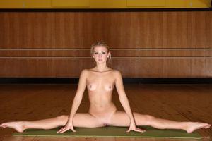 Бесплатные фото Jati,Hella G,Katrina,модель,красотка,голая,голая девушка