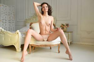Бесплатные фото Starlet, красотка, голая, голая девушка, обнаженная девушка, позы, поза