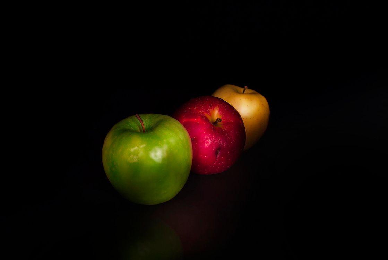 Фото бесплатно фрукты, десерт, еда, яблоки, чёрный фон, еда